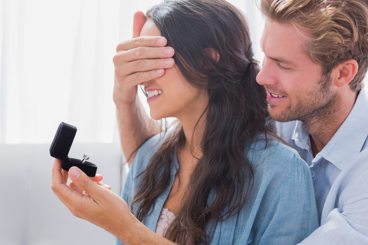 These Five Hidden Details Will Help Your Engagement Ring Shine
